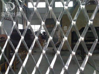 菱形钢板网1
